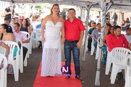 Luciano Aparecido Pontes e Elisangela Ferracine-casamento